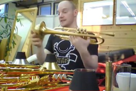 Adam Rapa using BESTBRASS Straight mute (BRASS)